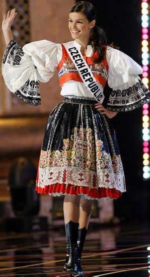 Flashback! MISS UNIVERSE 2005 Best in National Costume