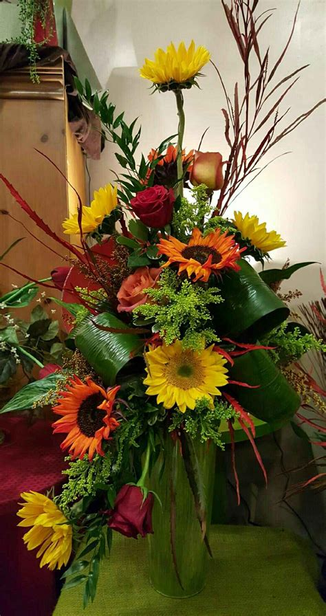 Autumn Flowers: Beautiful fall arrangment of Yellow and