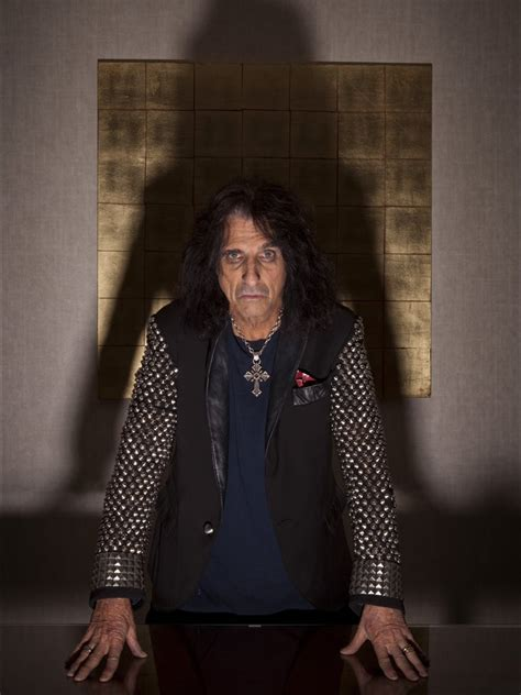 Alice Cooper - 'Every word of the Bible is true