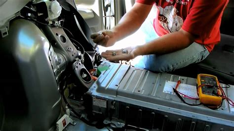 Toyota Prius battery removal and repair