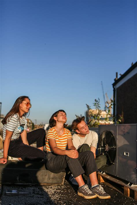 Shoosmiths hits the right note for pop band The Orielles
