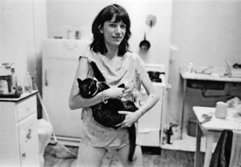 Patti Smith – sings to cats